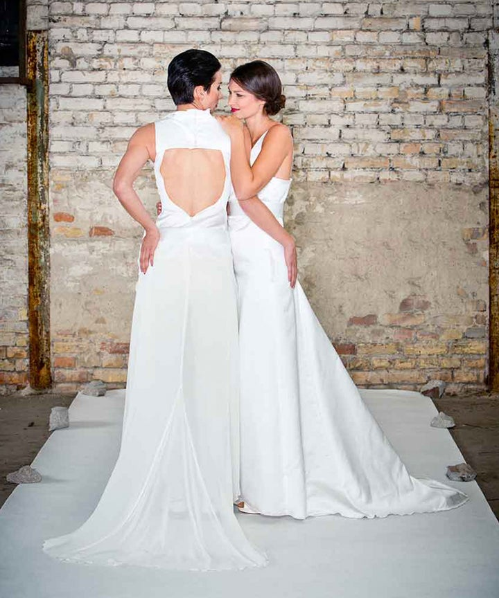 Massgefertigte Brautmode Fur Lesbische Paare