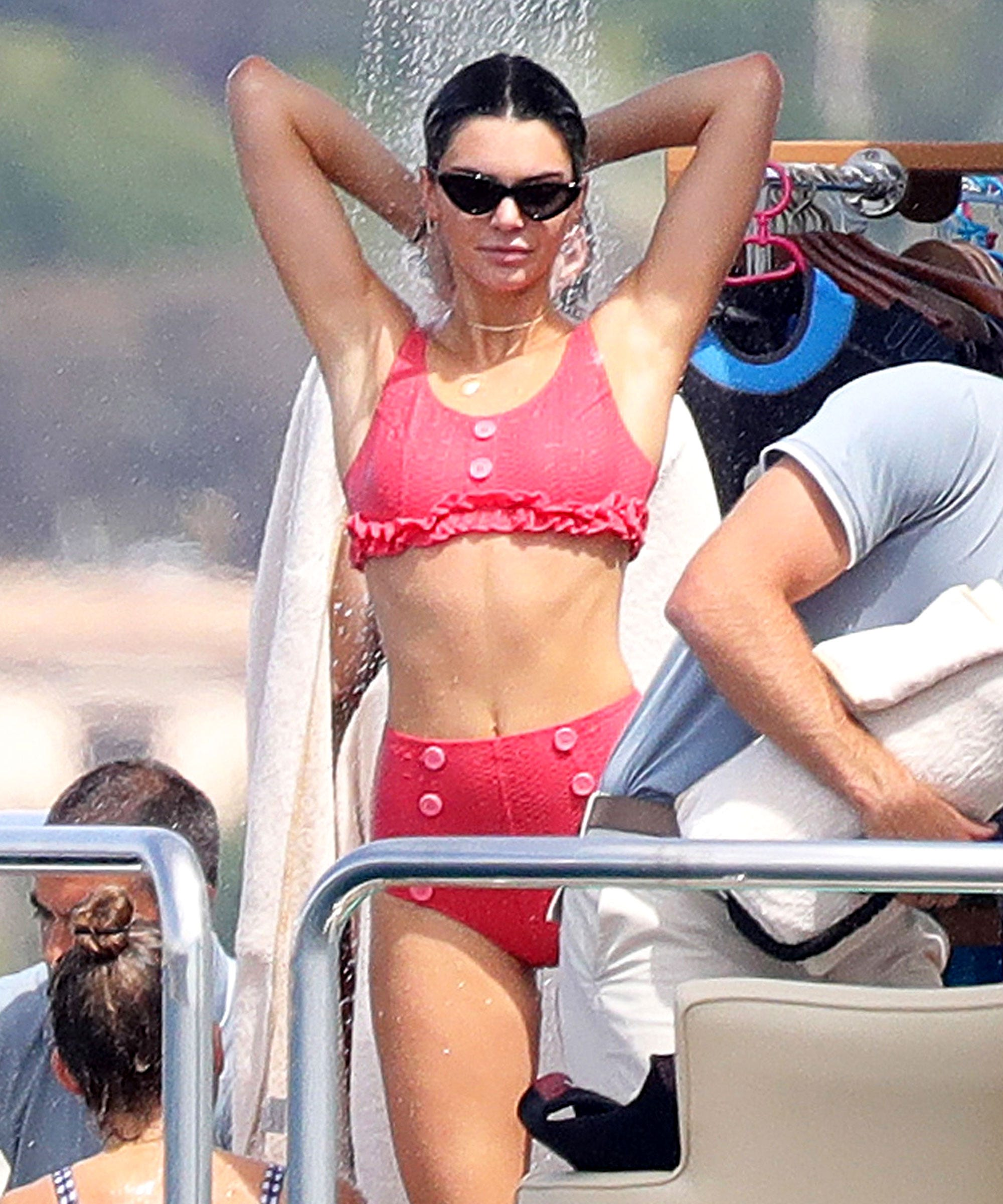 78d4973775376 Kendall Jenner Cannes Bikini Matching Two Piece Suit
