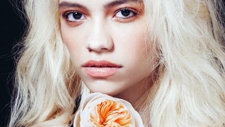 The Right Way To Bleach Your Hair At Home