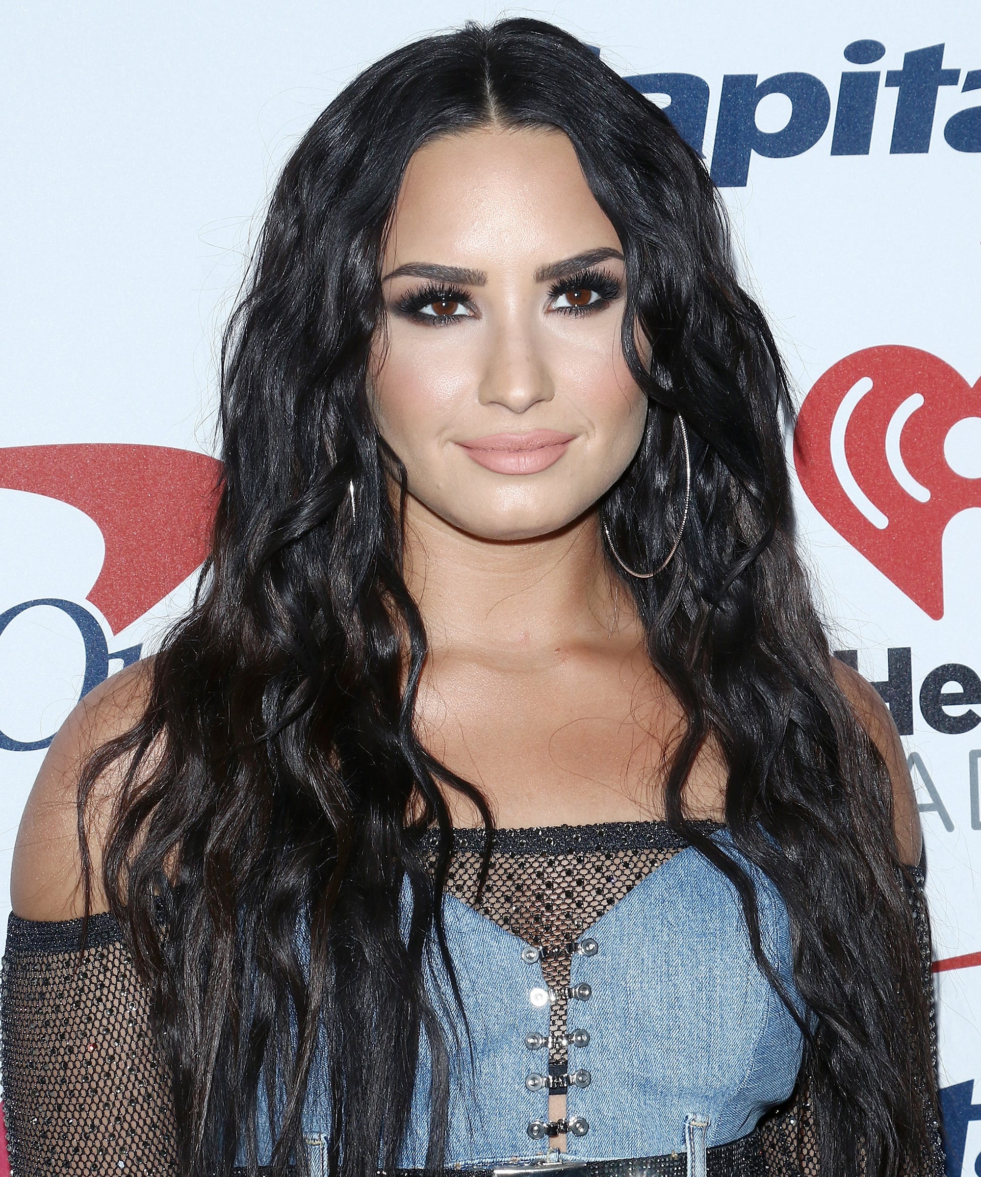 Mermaid Waves Hair Trend Kim Kardashian Demi Lovato