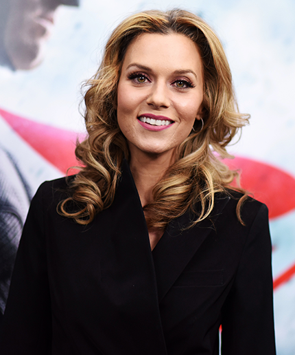 who is hilarie burton