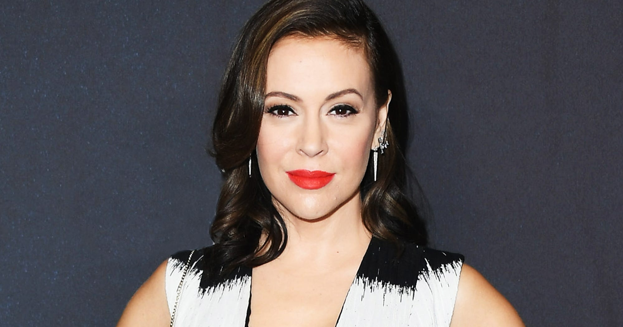 Alyssa Milano Says She Won't Speak At Women's March Over Anti-Semitism Controversy
