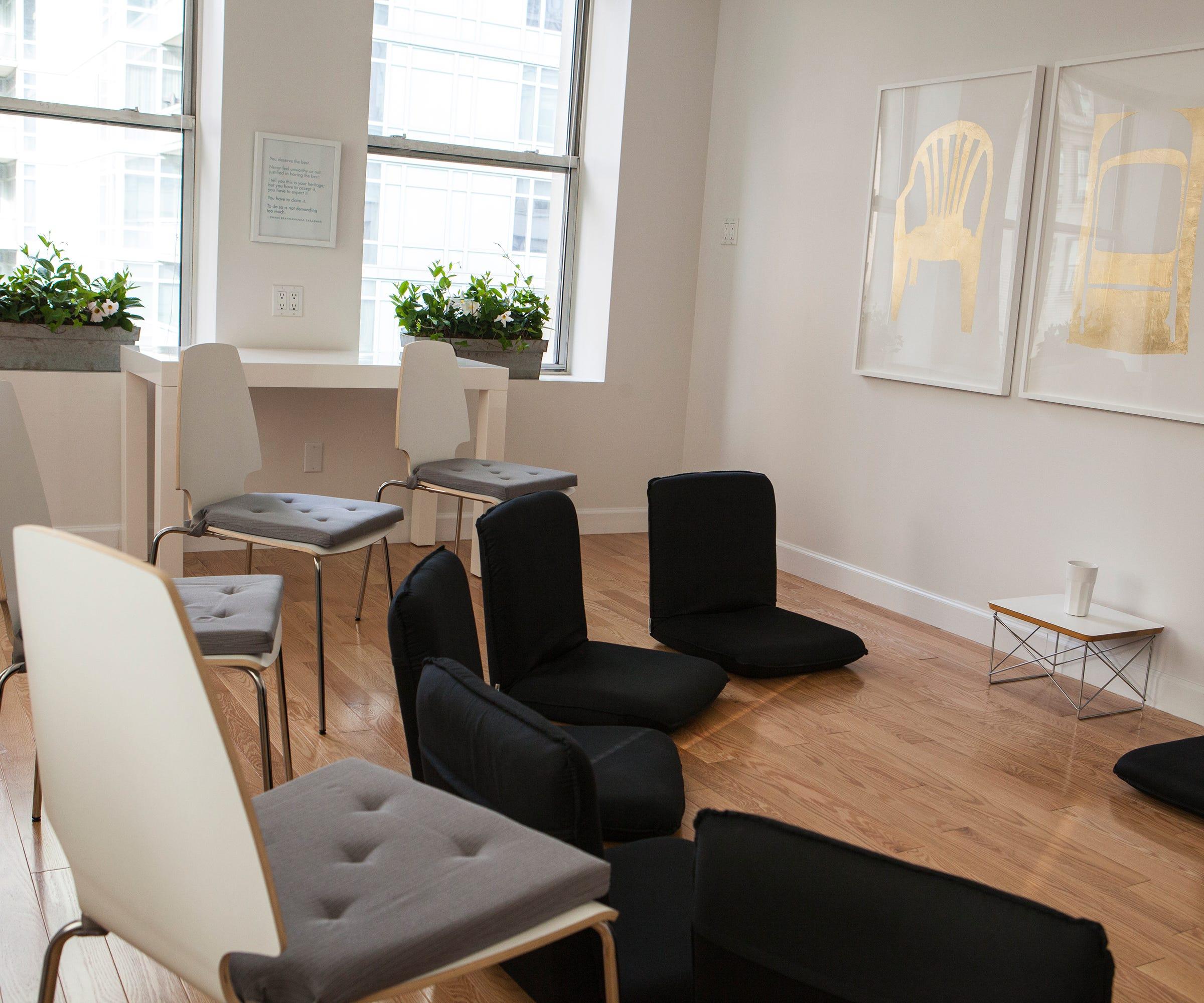 Best Meditation Classes NYC - Relaxing Wellness Studios