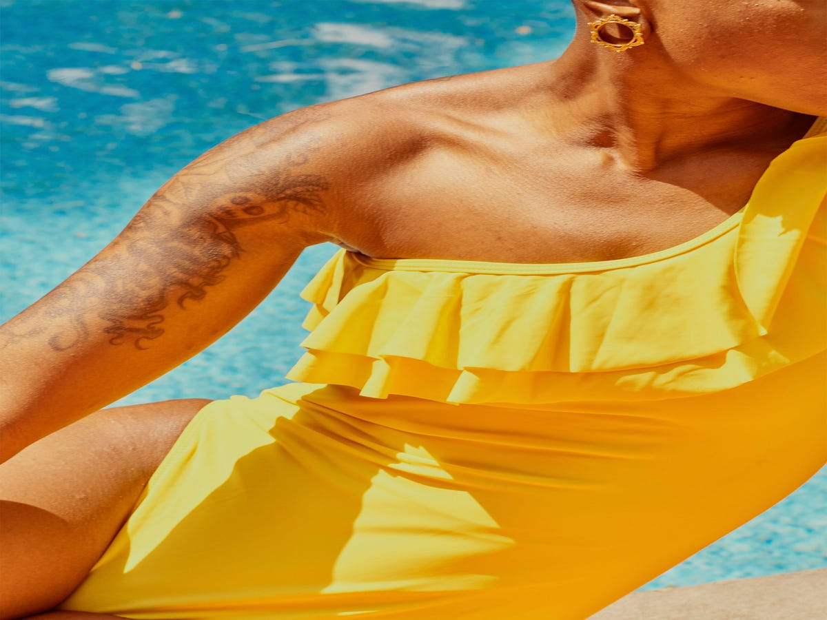 Read This Before Getting A Spray Tan This Summer