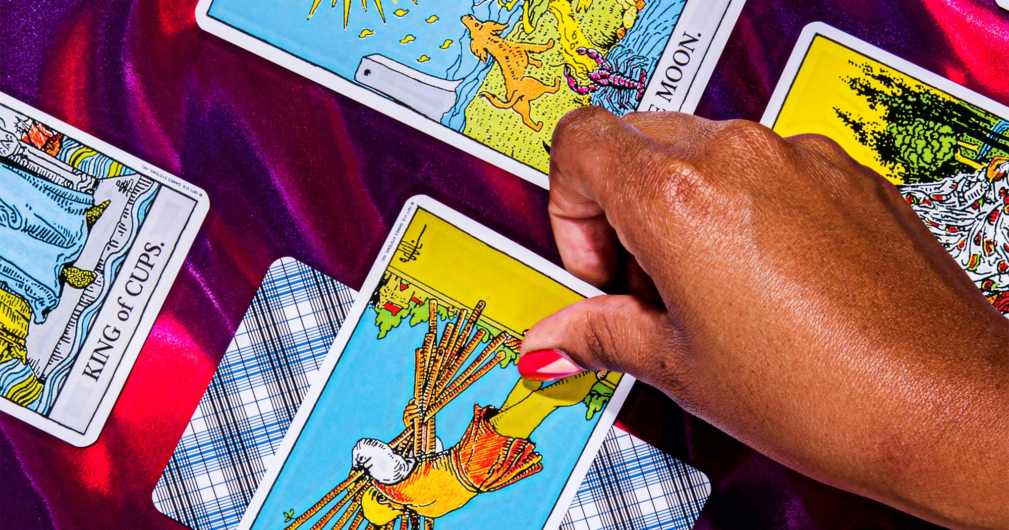 Love Tarot Reading: Meaning For Relationship Prediction