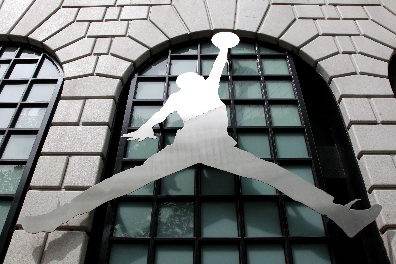 7f71dc38d Nike Store Black Friday Shopping Destruction