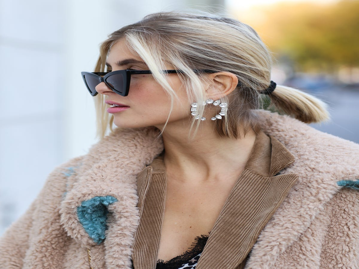 17 Stunning (& Simple) Party Hair Looks To Try This Holiday Season
