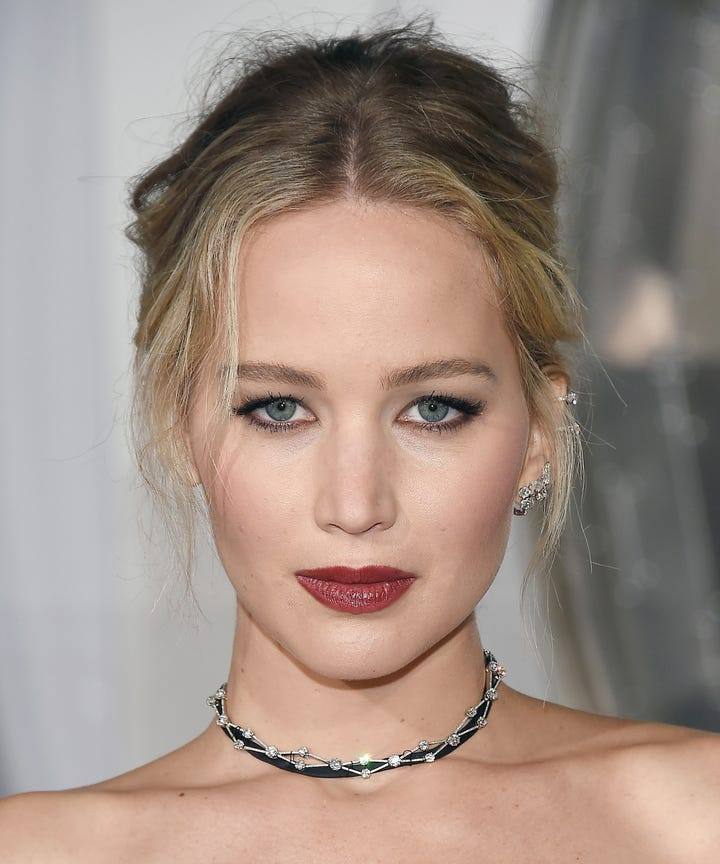 Jennifer Lawrence Knows Shes An Asshole To Fans This Is Why