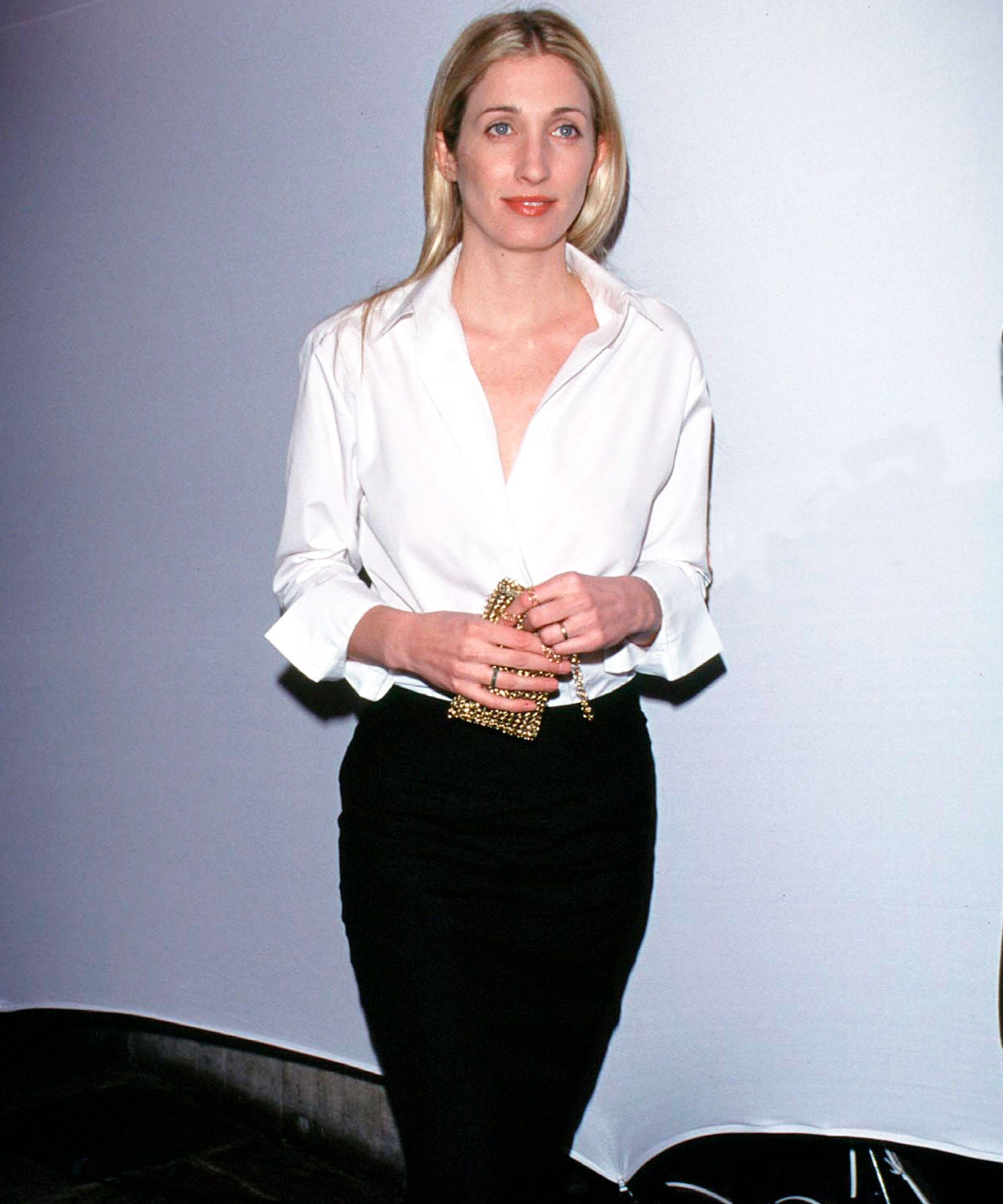 677acd4377f8 Your New  90s Style Inspiration  Carolyn Bessette-Kennedy