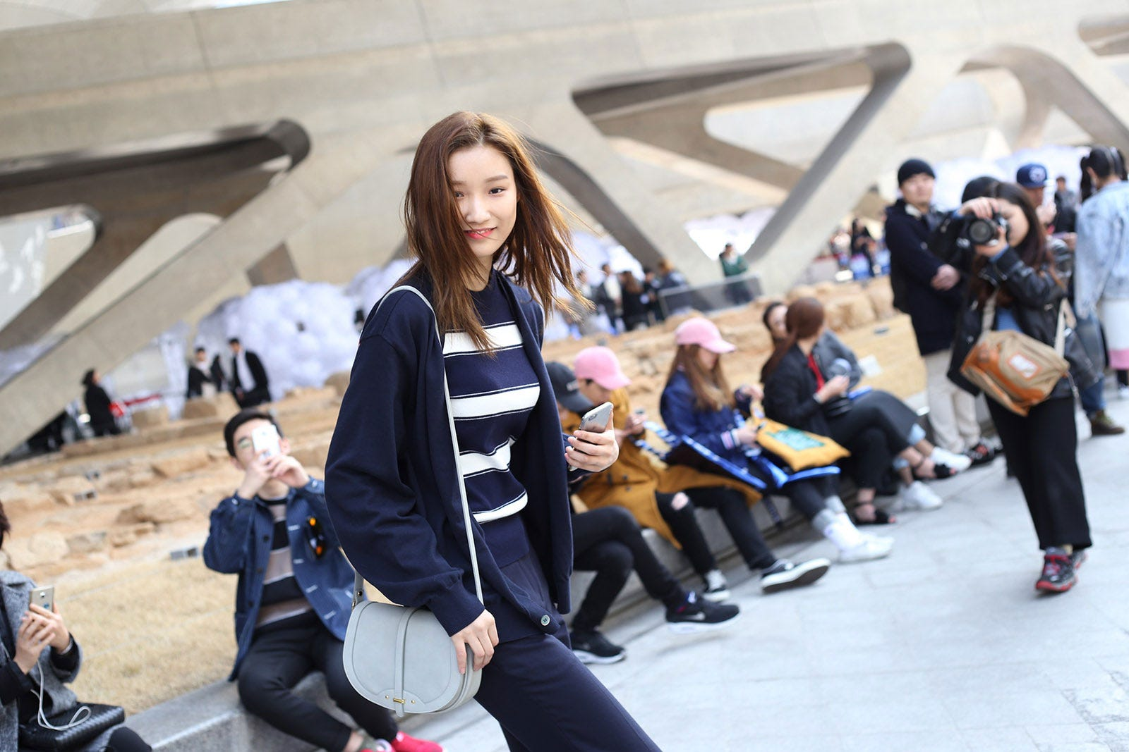 Best Korean Street Style Seoul Fashion Week Outfit Girl 10 Korea