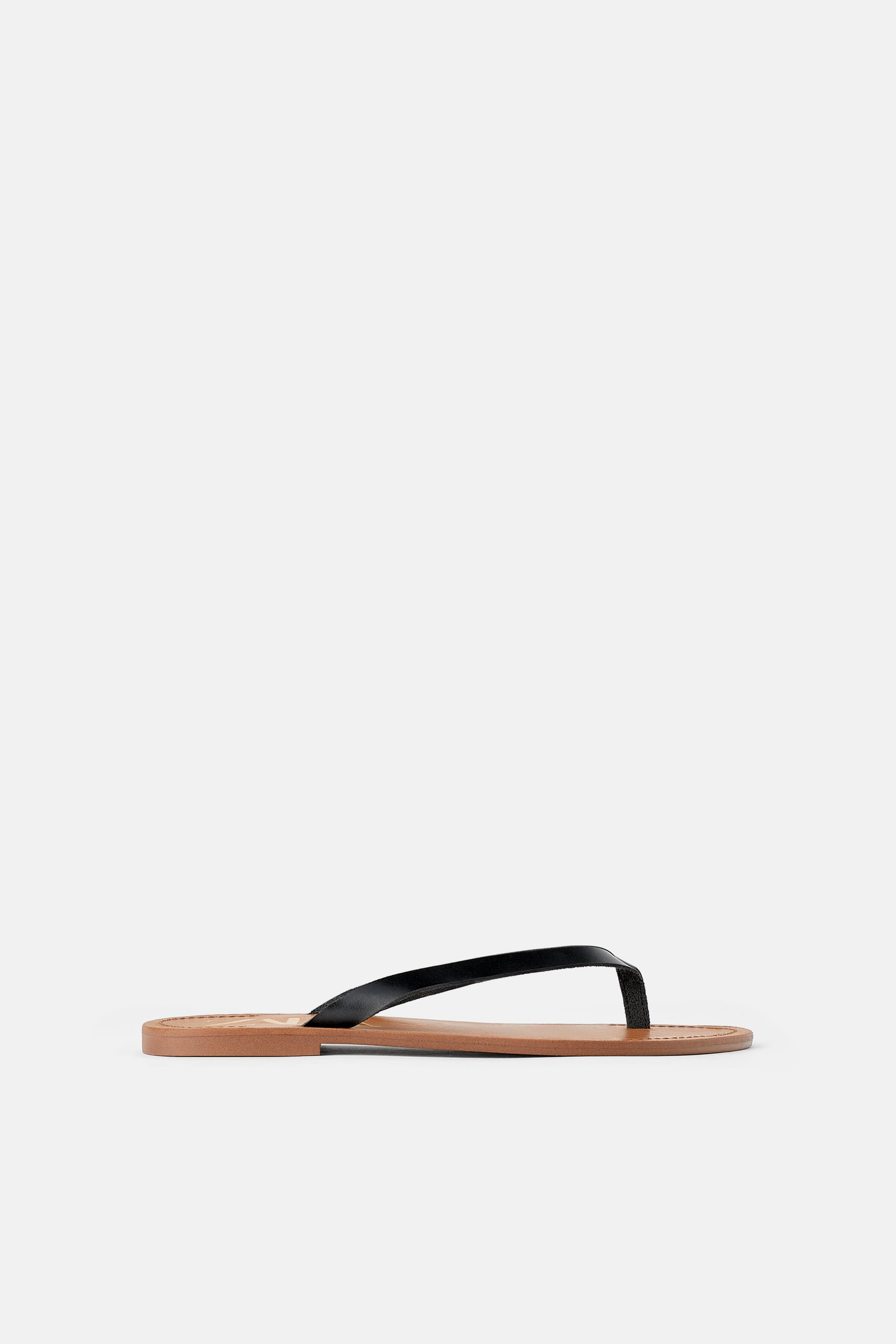 Flat Sandals With Leather Straps