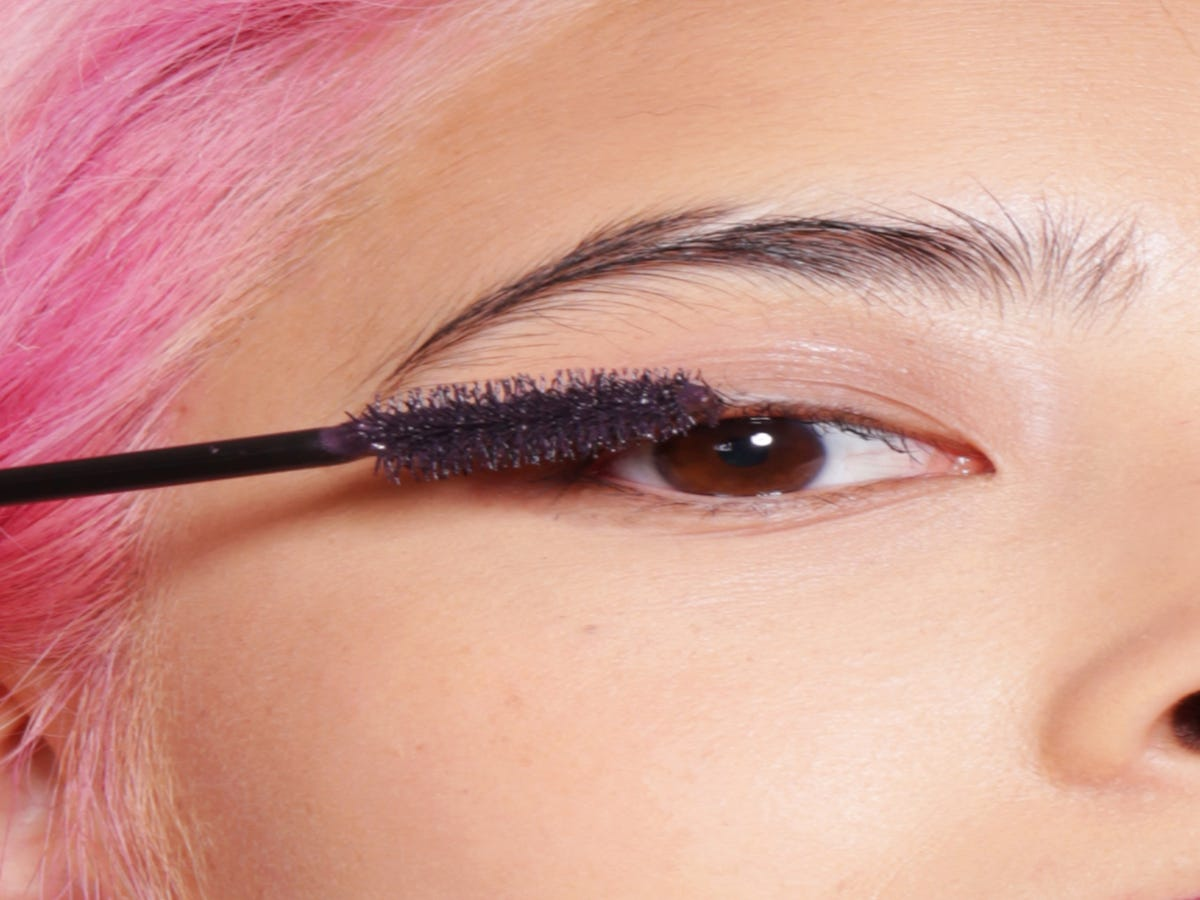 You ll Never Fall Asleep With Mascara On Again After Seeing This