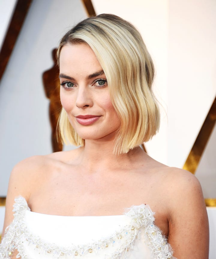 Margot Robbie Shows Off New Lob Haircut At The Oscars