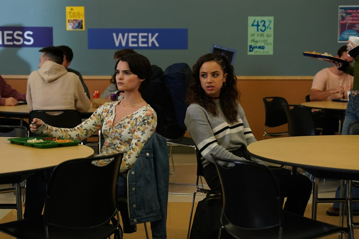 Trinkets Season 1 Recap & Episode Guide Binge-Watching