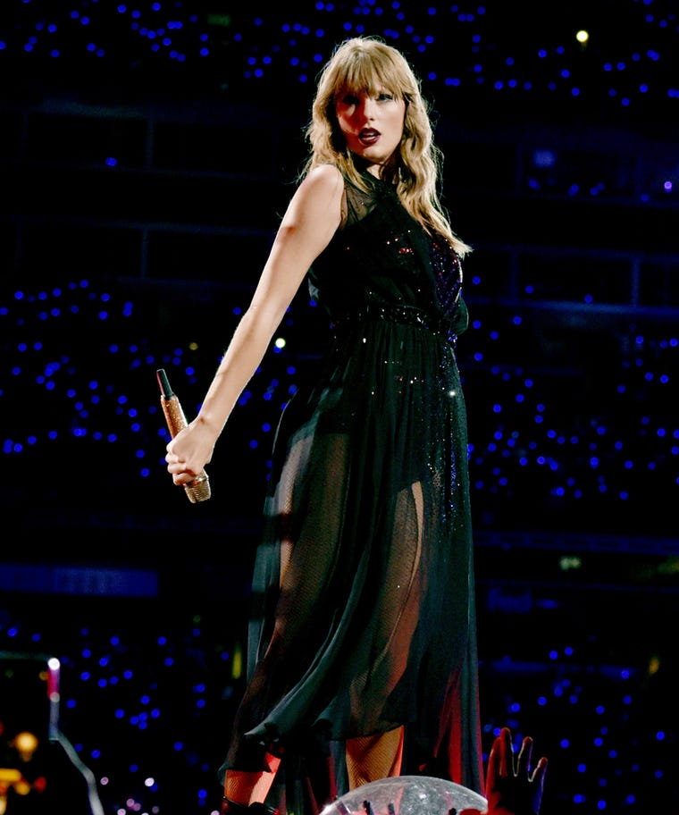 Taylor Swift Music, News, Pictures, Videos