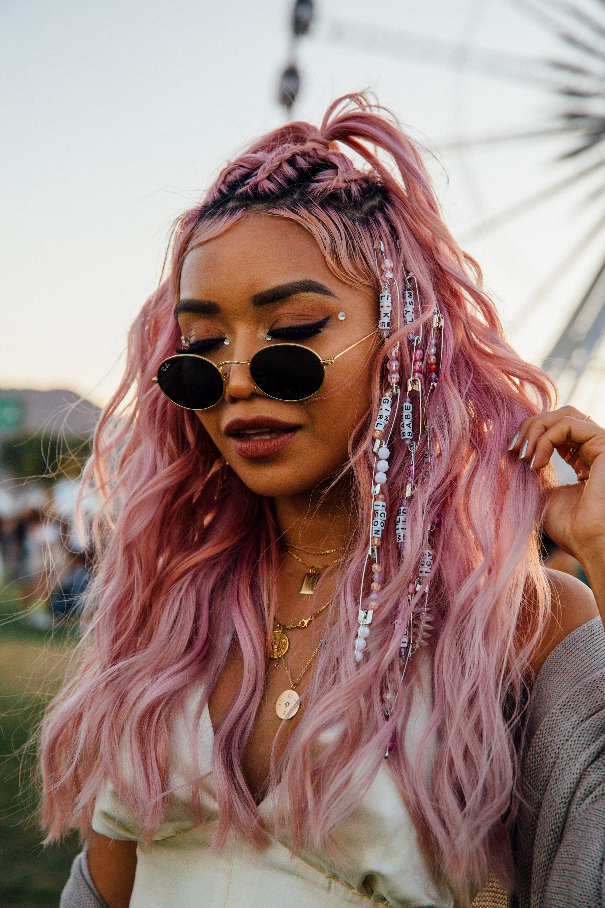 Coachella s Biggest Makeup Trend? Glitter, Glitter, & More Glitter