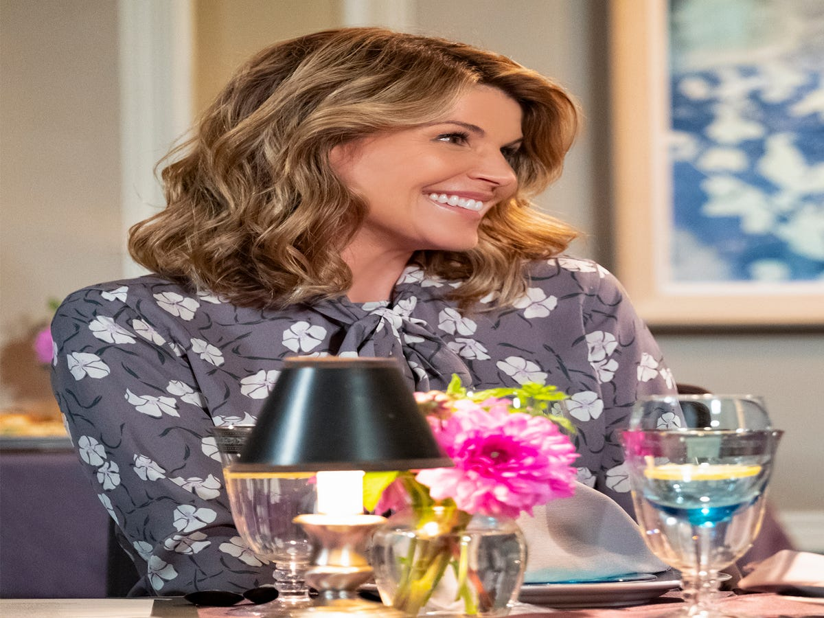 Lori Loughlin & Felicity Huffman Might Go To Jail, But That Doesn t Mean Their Careers Are Over