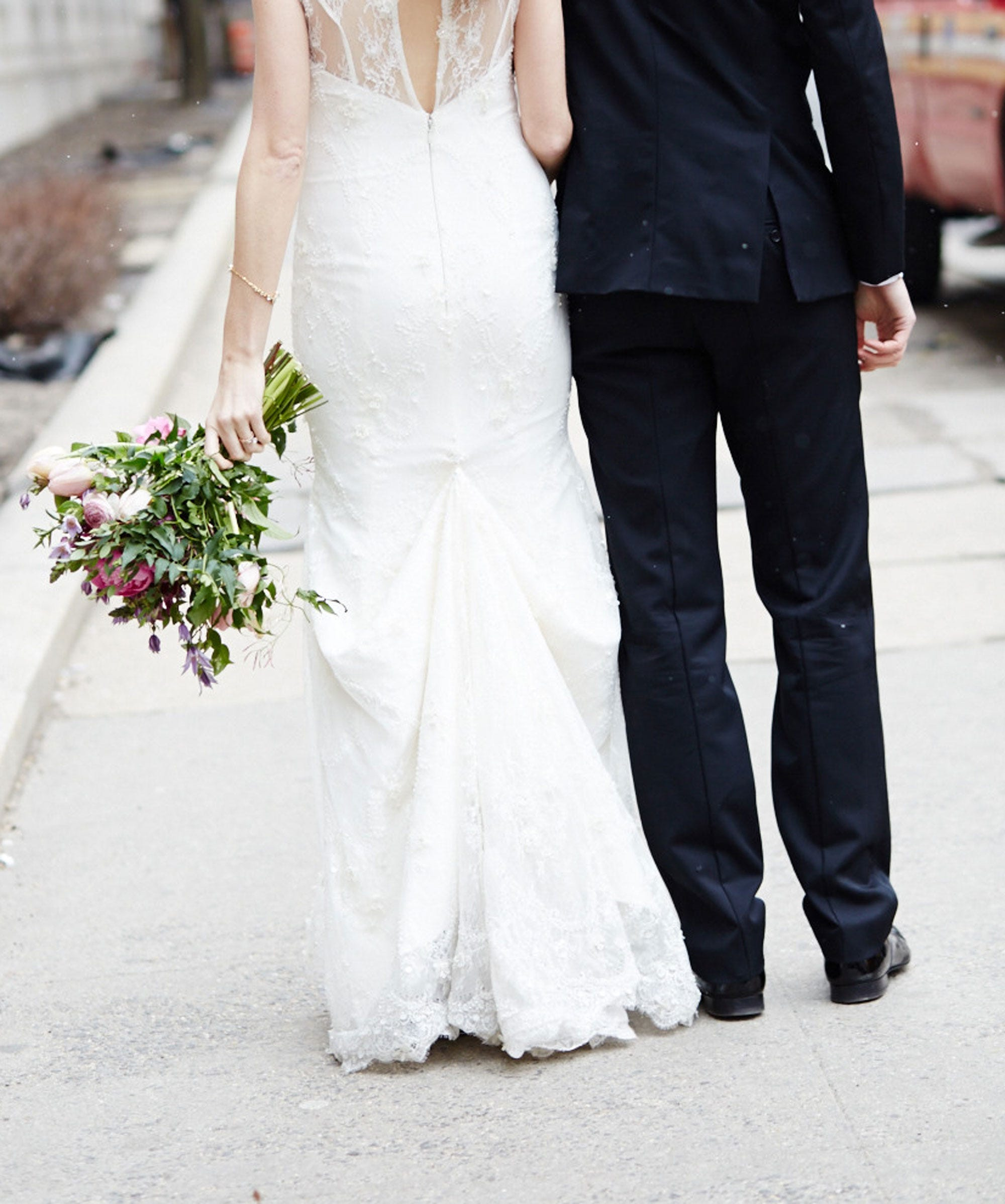 Average Cost Of Wedding Dress.Wedding Cost 2016 Wedding Budget Guide