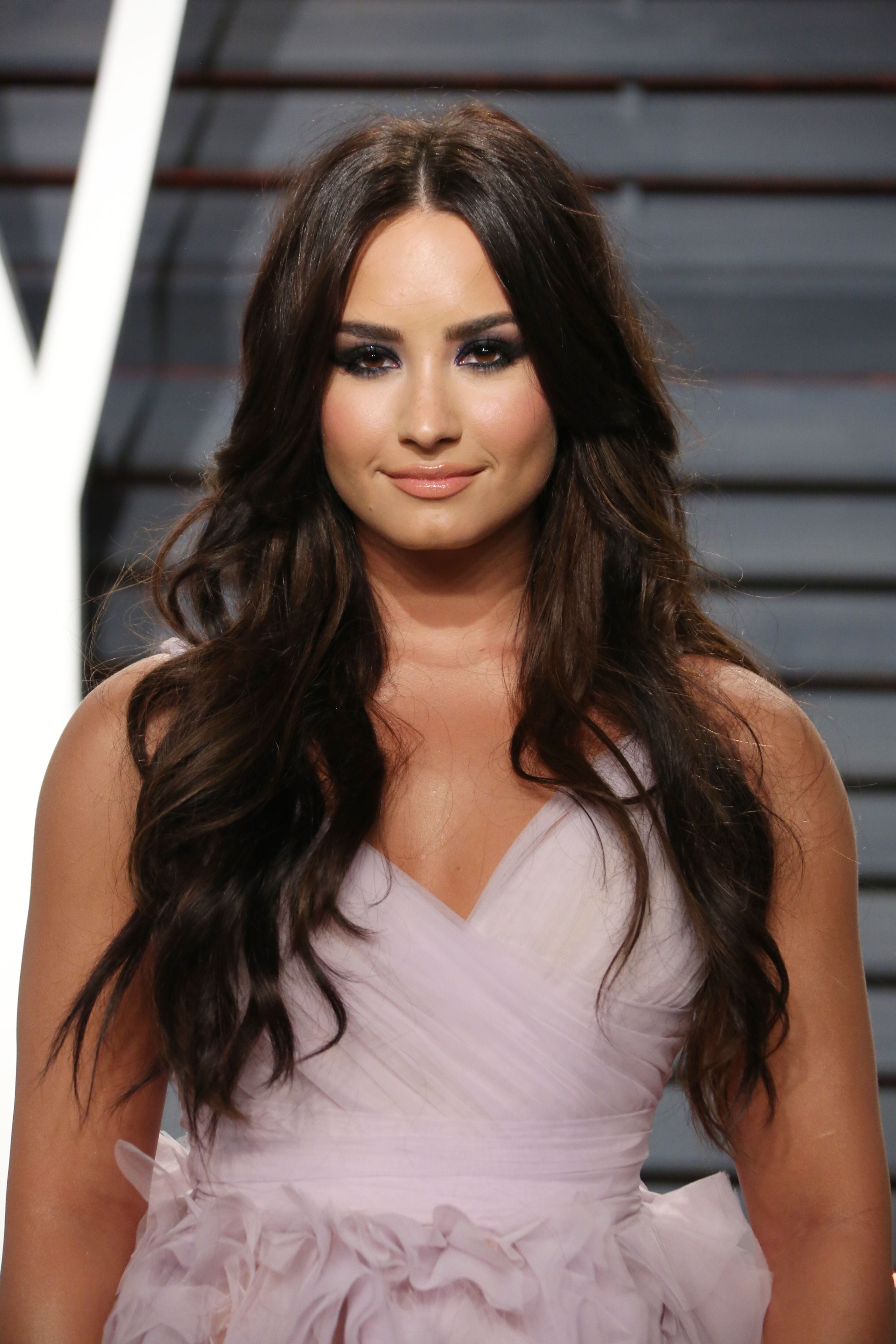 foto Is Demi Lovato Cutting Again