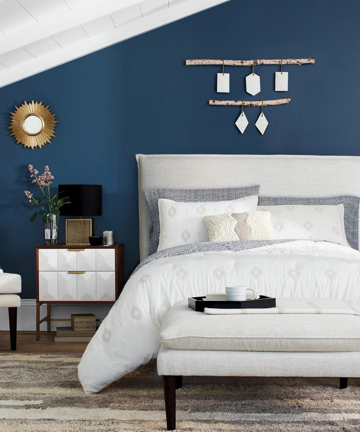 5 Sneaky Ways To Make A Tiny Bedroom Look MUCH Bigger
