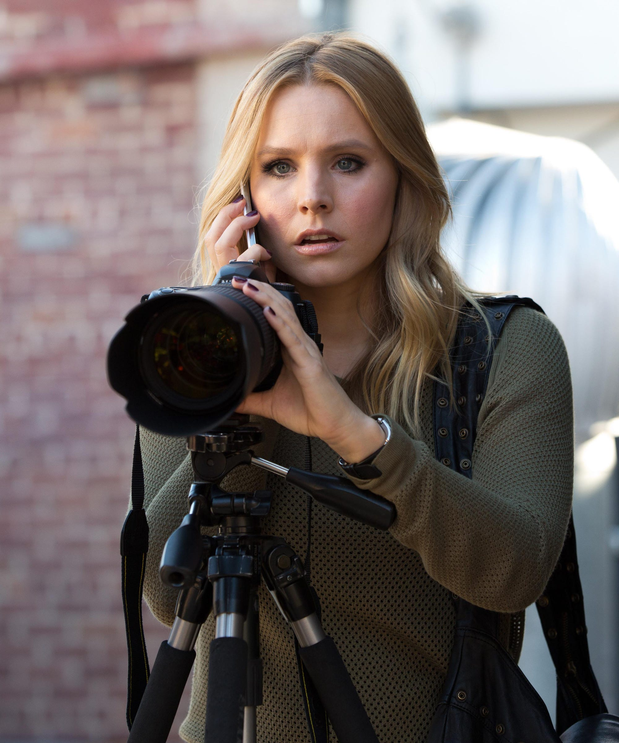 Veronica Mars Goes To Hulu & Grows The F*ck Up
