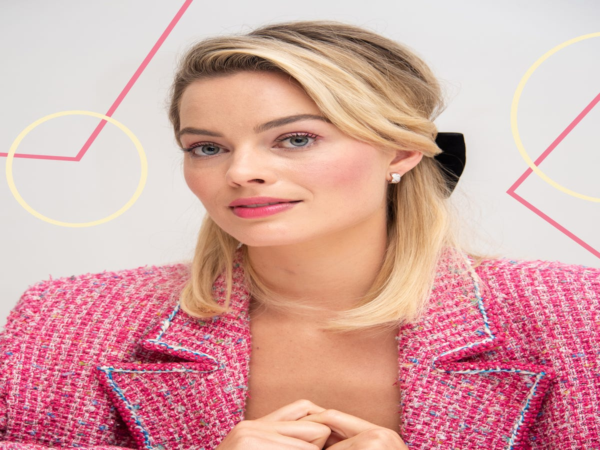 7 Hairstyles That Make Growing Out A Bob Easy
