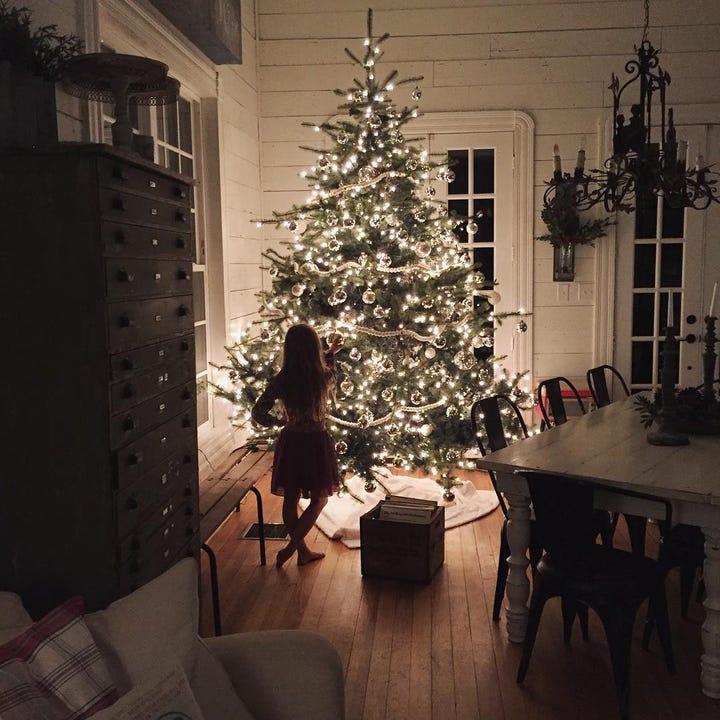 photo via joannagaines - Joanna Gaines Christmas Decor