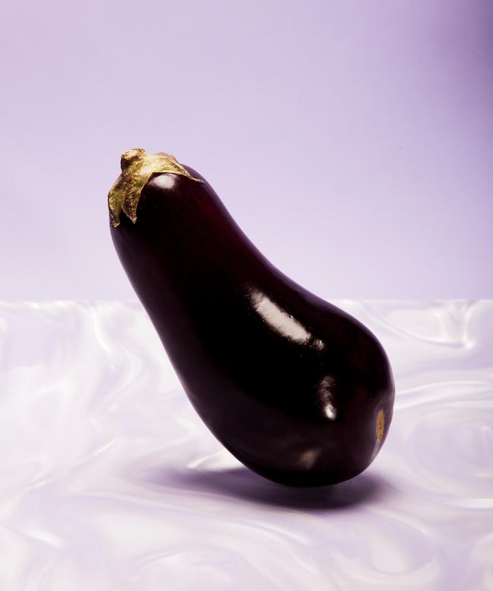 My gf loves huge dildo than mine penis — img 2