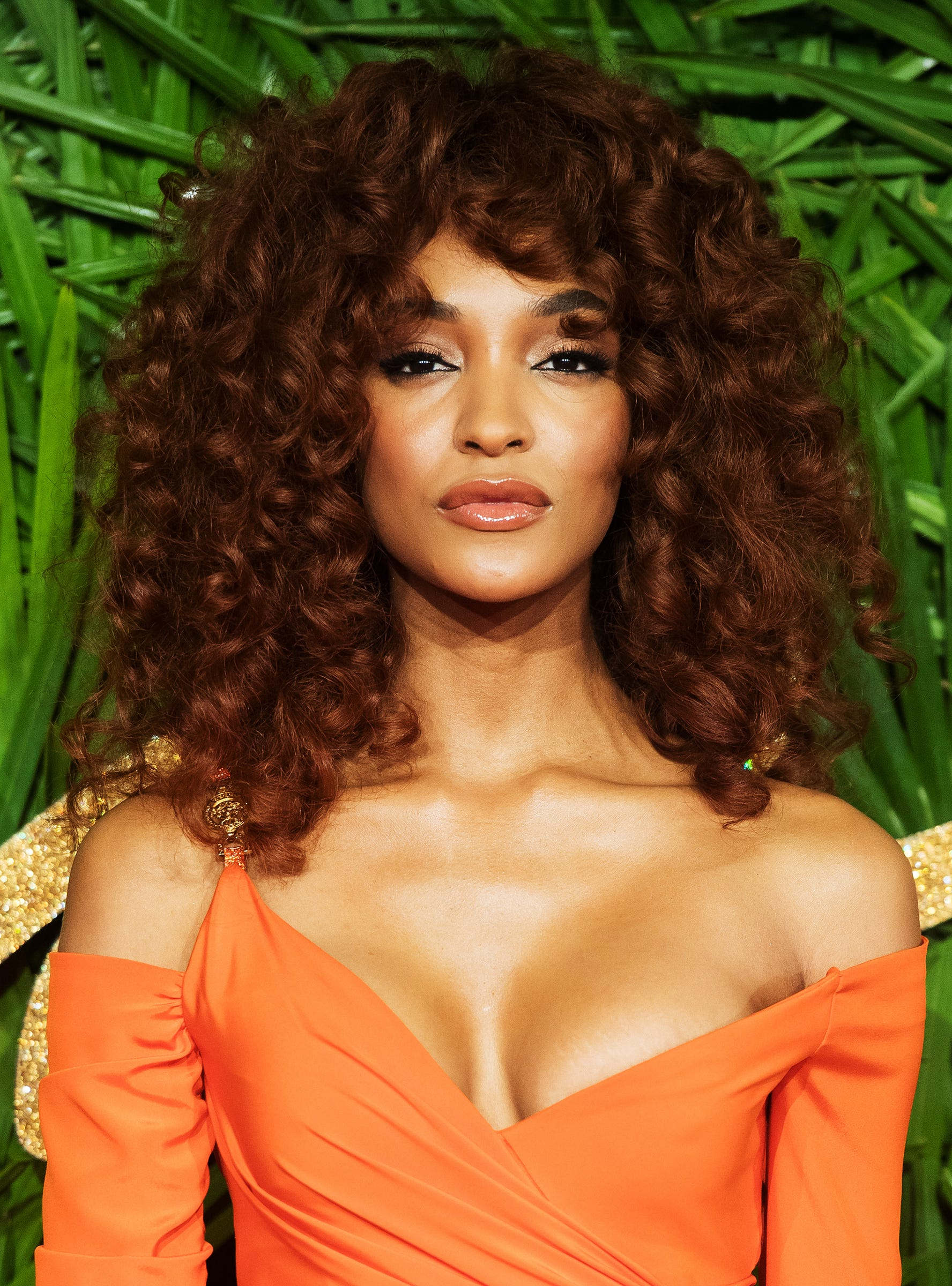 Flattering Cinnamon Hair Color Photos Celebrity Looks