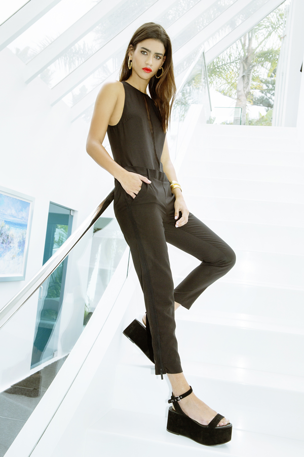 09a81e1e1954 Kendall and Kylie Jenner Collection Images