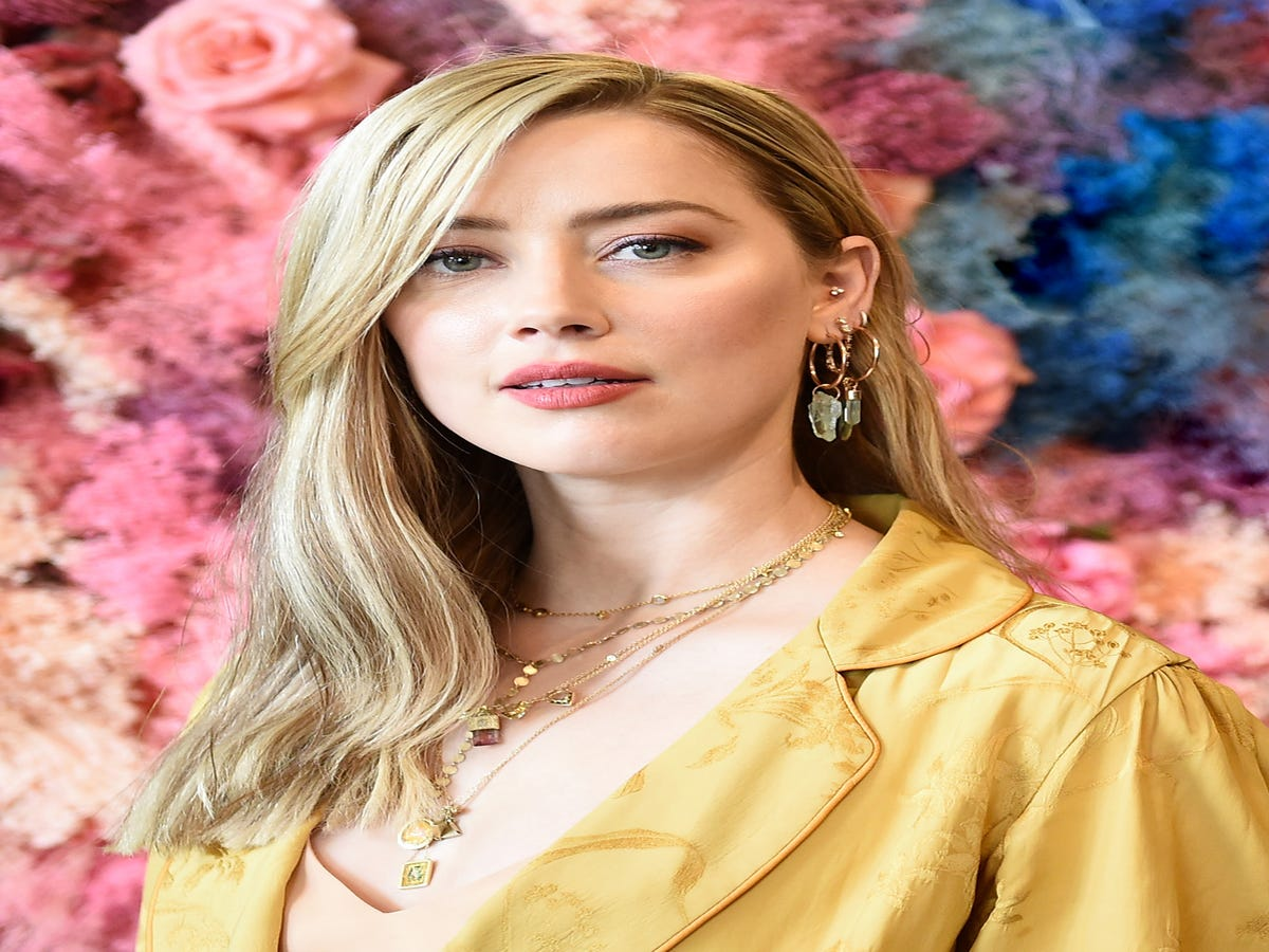 Amber Heard Takes On A Fear That Consumes Women: Losing Followers If They re Political