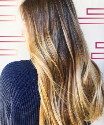 LA Natural Blonde Hair Color Technique Gloss Smudging