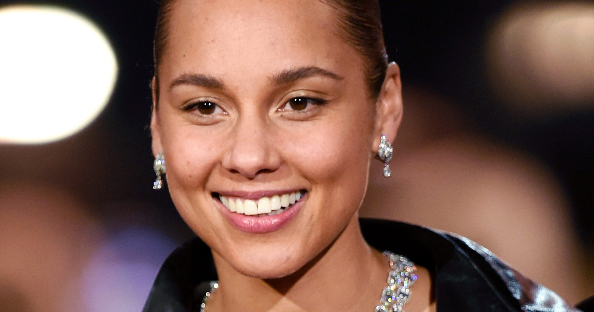 Alicia Keys Wore Full-Coverage Foundation At The Grammys — & It's Only $15