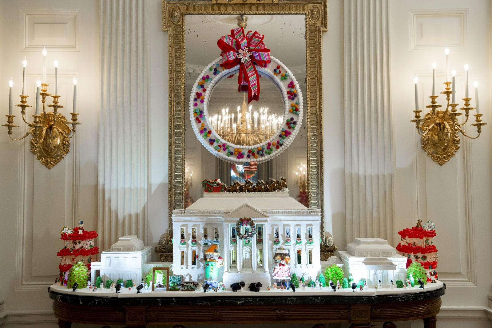 obama last christmas white house holiday decorations - White House Christmas Decorations 2016
