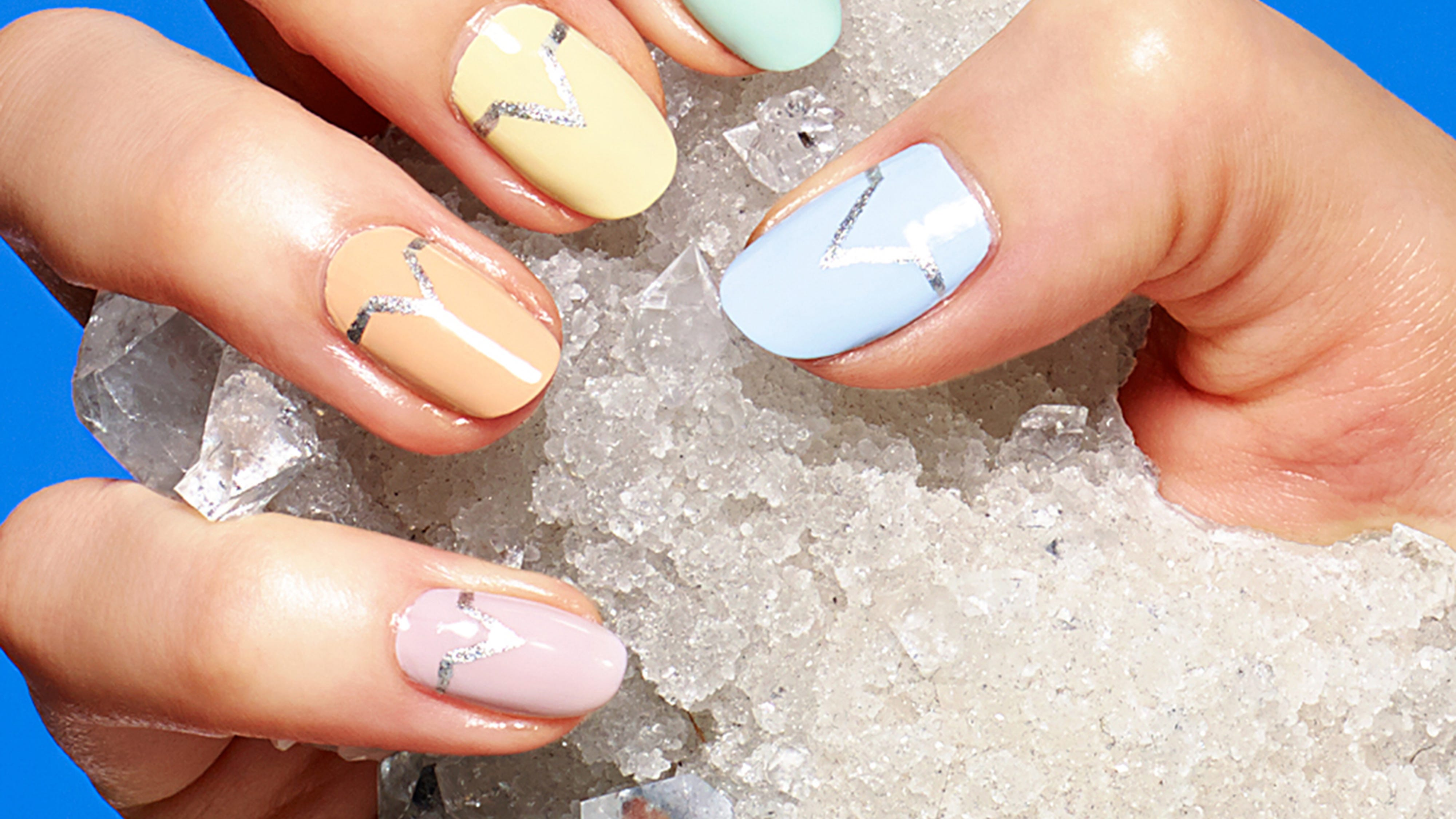 Minimalist Summer Nail Art Trends For Labor Day 2018