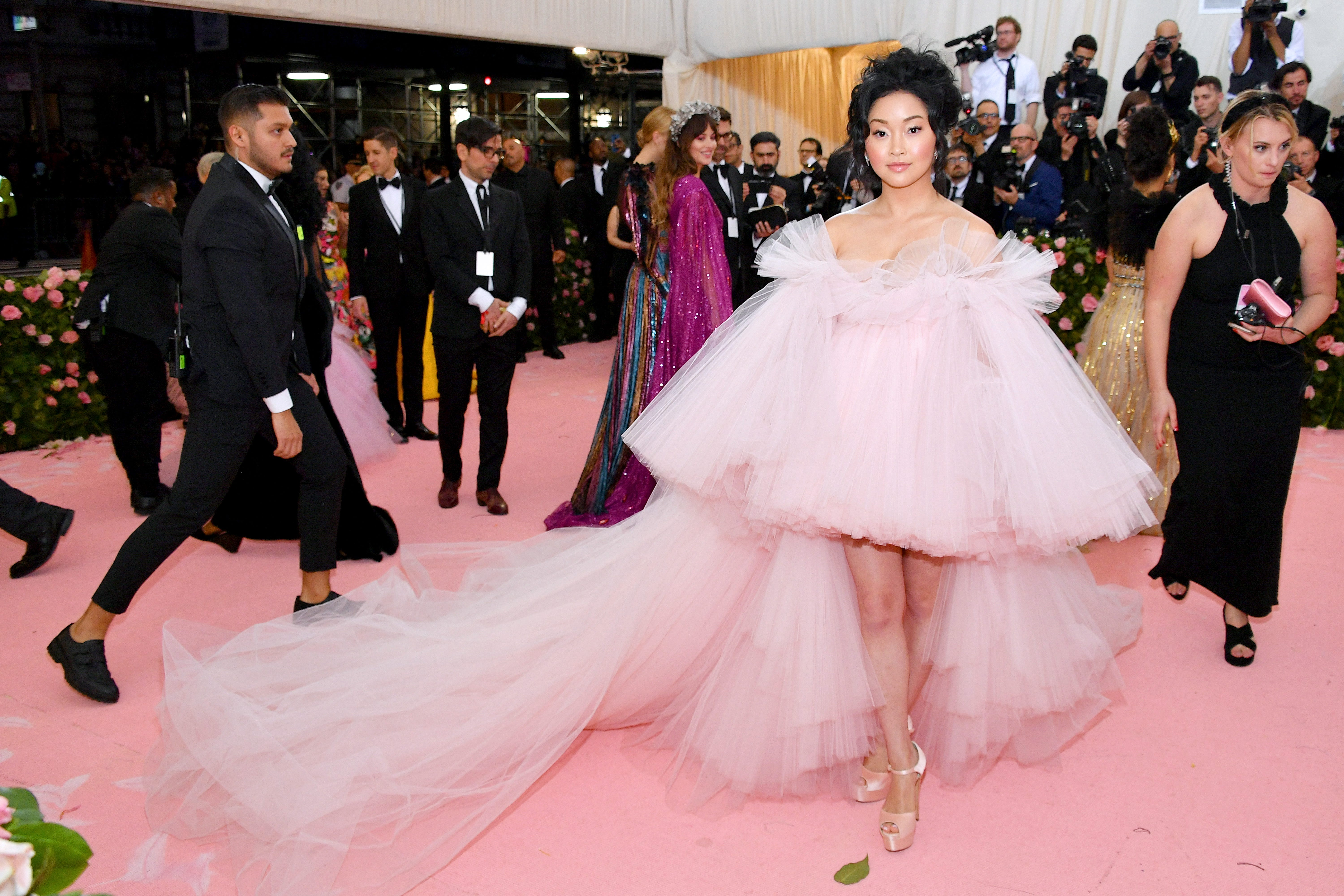 a7b1ce22 Best Dressed Celebs At Met Gala 2019 Camp Fashion Looks