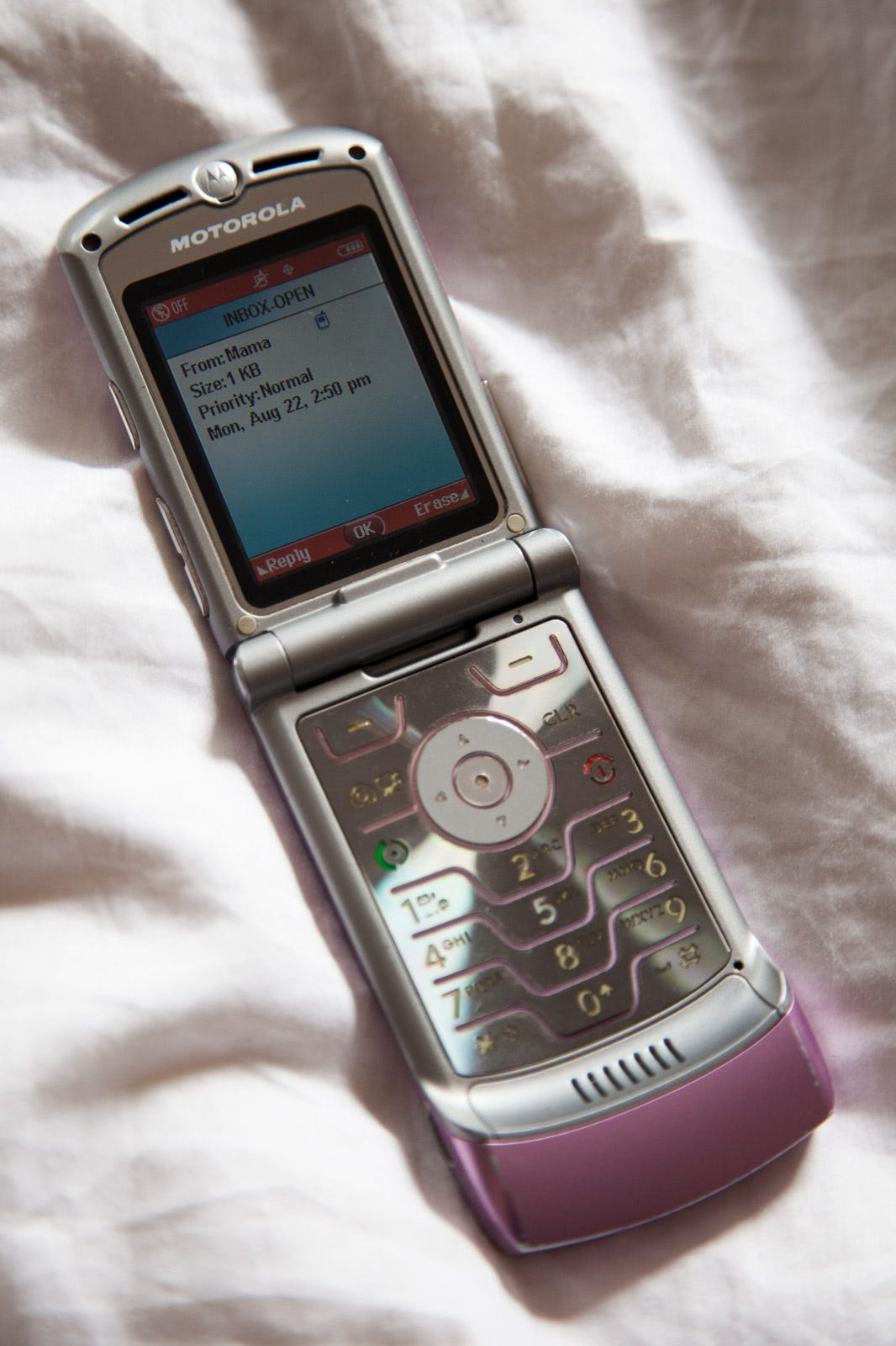 Using A Flip Phone In 2016 - Not Using Smart Phone