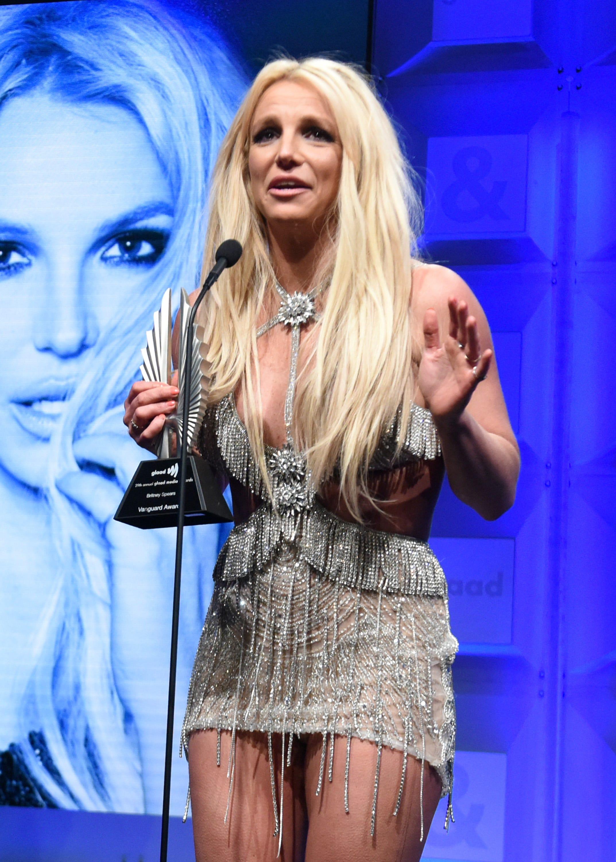"Britney Spears Shuts Down ""Rumors, Death Threats"" In Instagram Video"