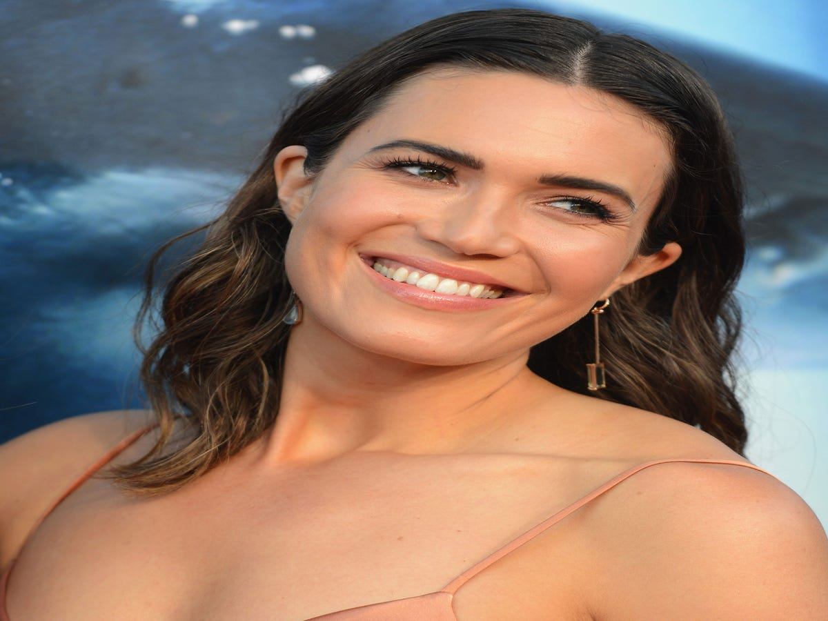Mandy Moore Is So Excited To Build A Home & Life With Boyfriend Taylor Goldsmith