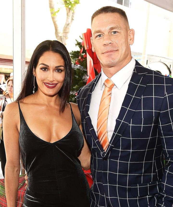 Cena dating bella twin