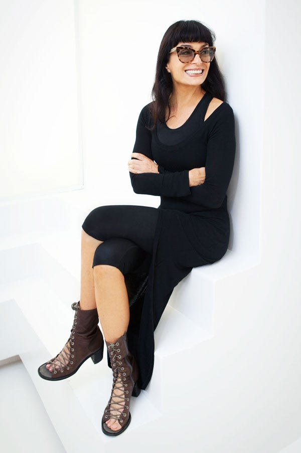 Women Who Wear Black Chic Style Icons