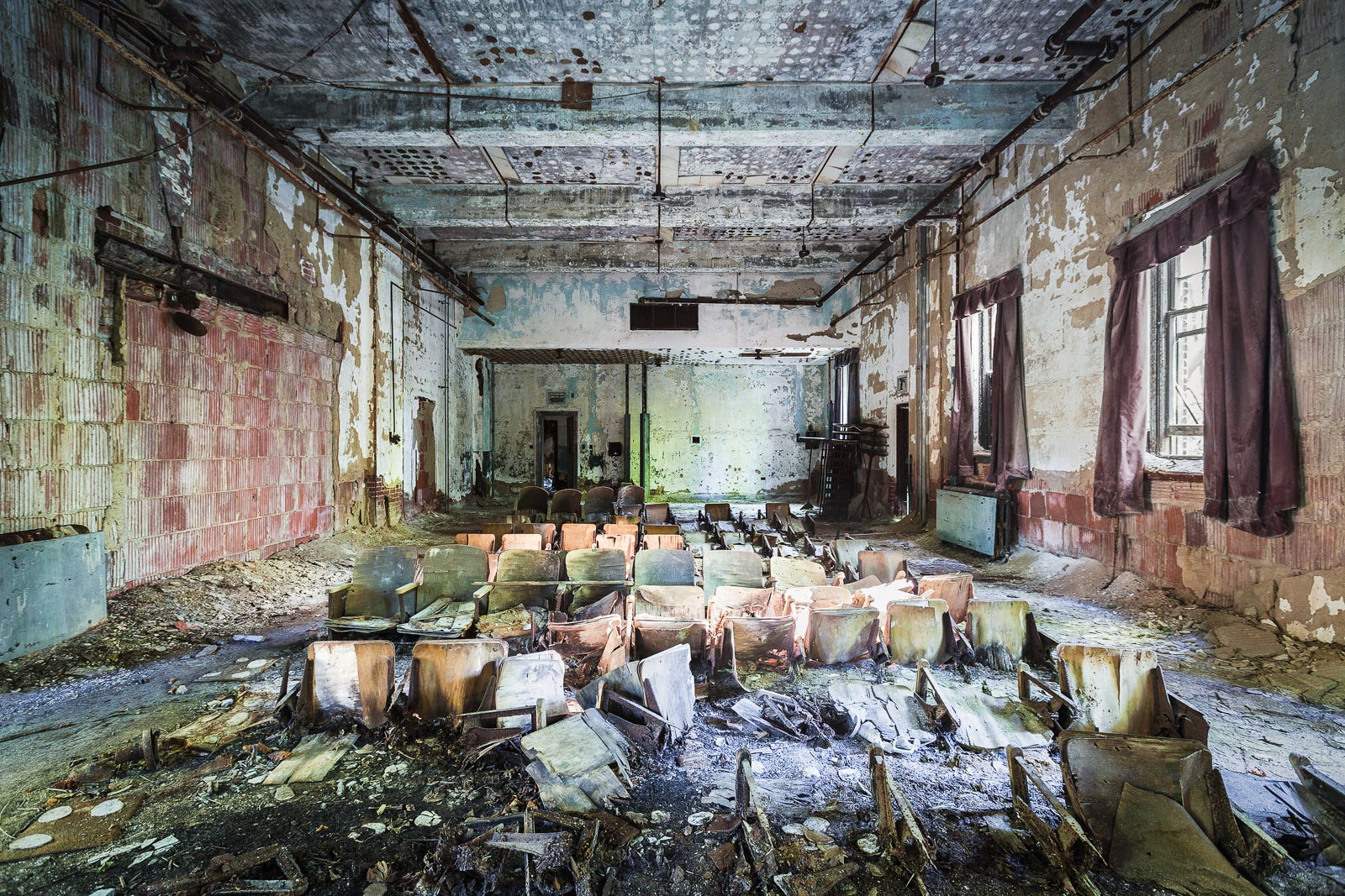 haunting nyc spots, spooky abandoned places