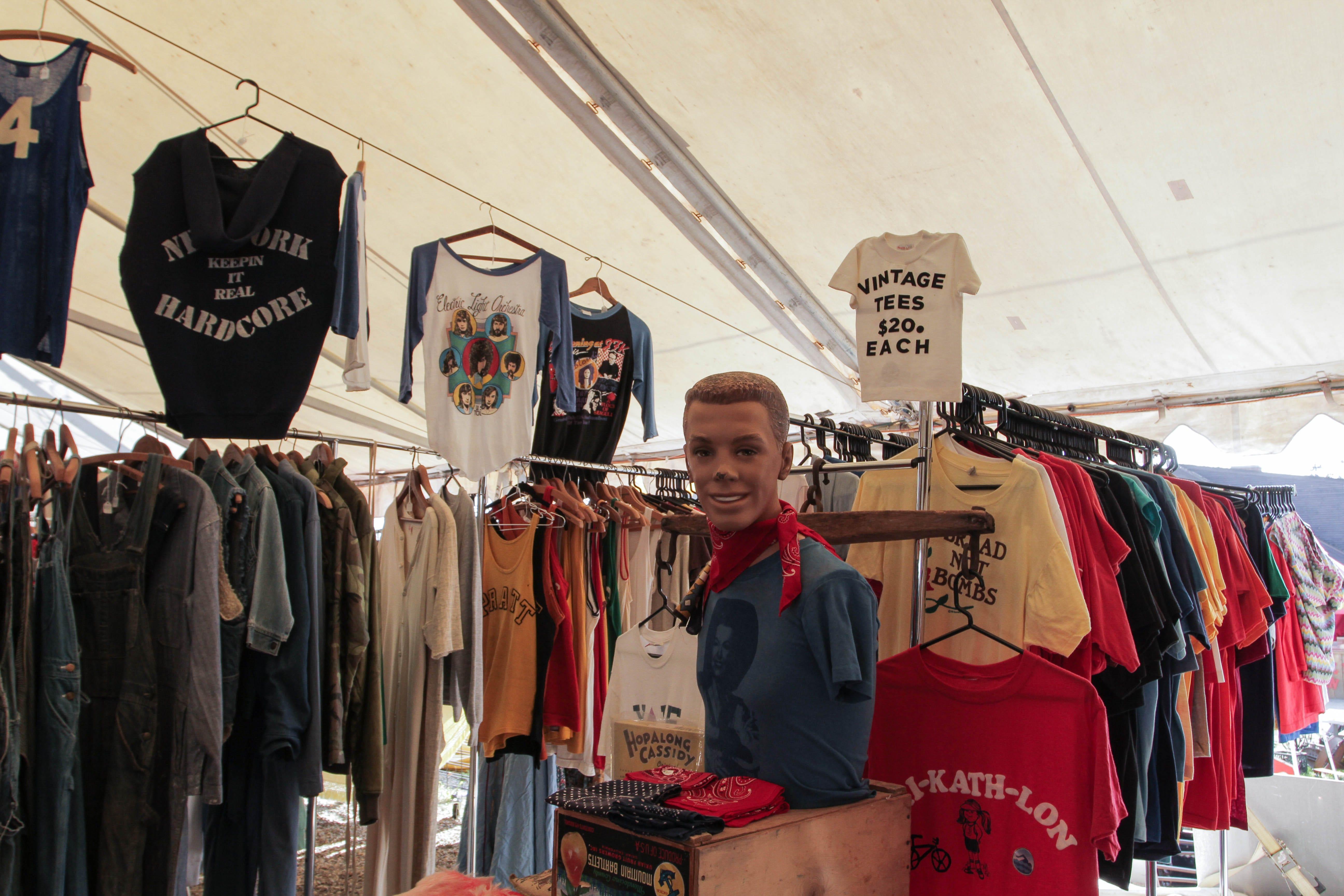 Brimfield MA Flea Market Guide - How To Shop Vintage