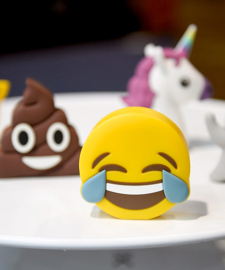 Emoji halloween costume ideas diy costumes inspiration some people use halloween as an excuse to become their favorite movie stars book characters or in especially creative cases speedy shipping services solutioingenieria Images