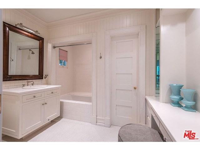 Shower Equipment Hospitable Modern Multifunction Bionic Dolphin Design Rain Shower Hand Hold Bathroom Shower Heads