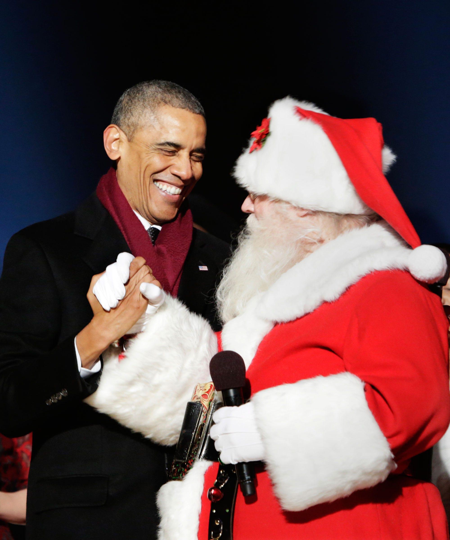 Obama Last Christmas - White House Holiday Decorations