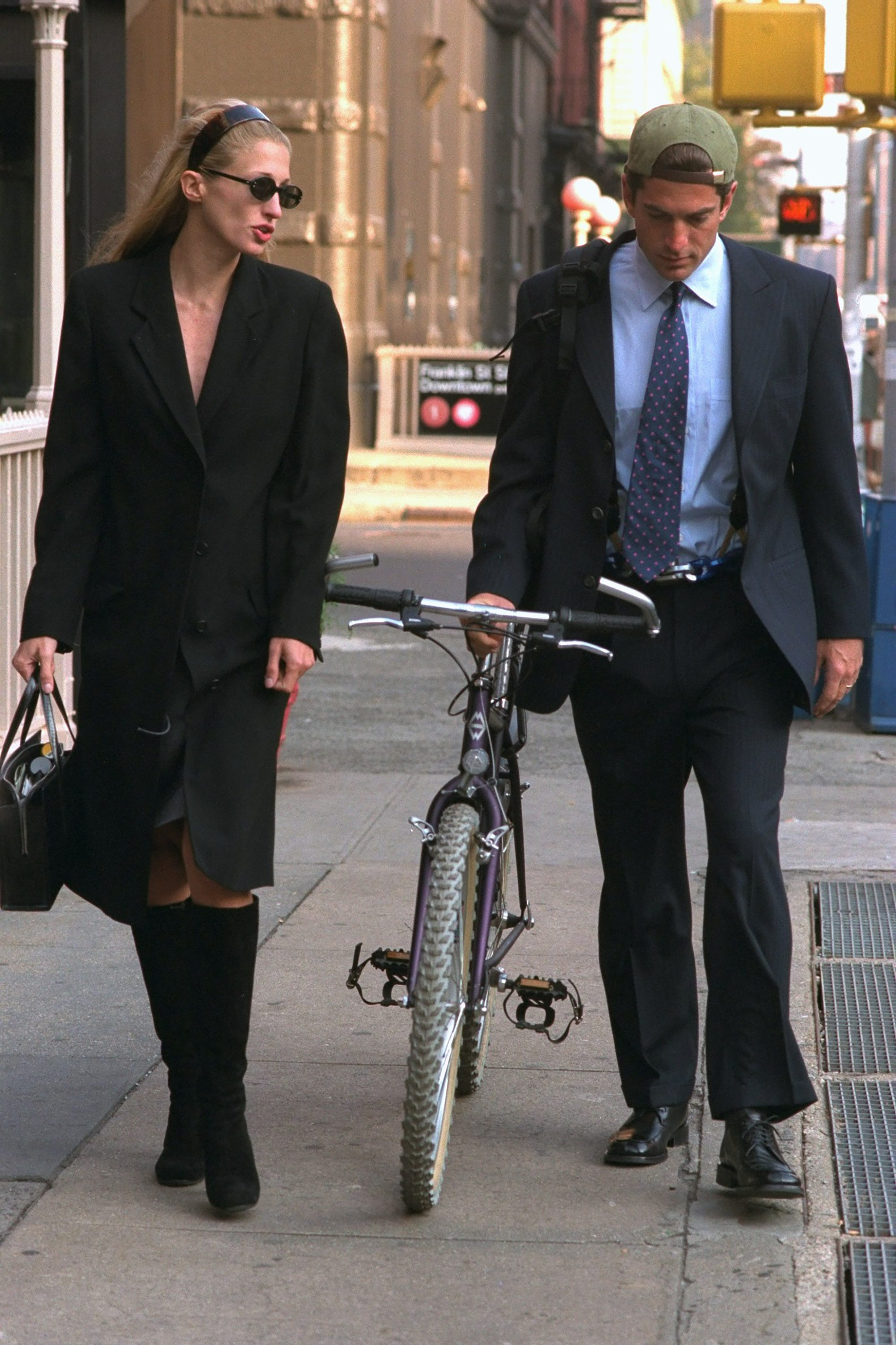 0602e6867c8 Carolyn Bessette Kennedy Style Inspiration Outfits