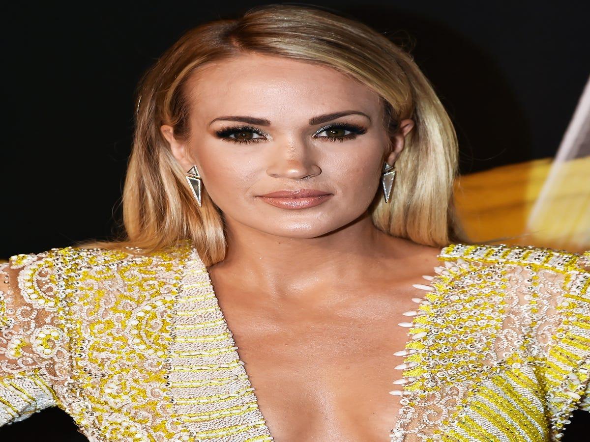 Carrie Underwood s Makeup-Free Gym Selfie Is Refreshingly Relatable