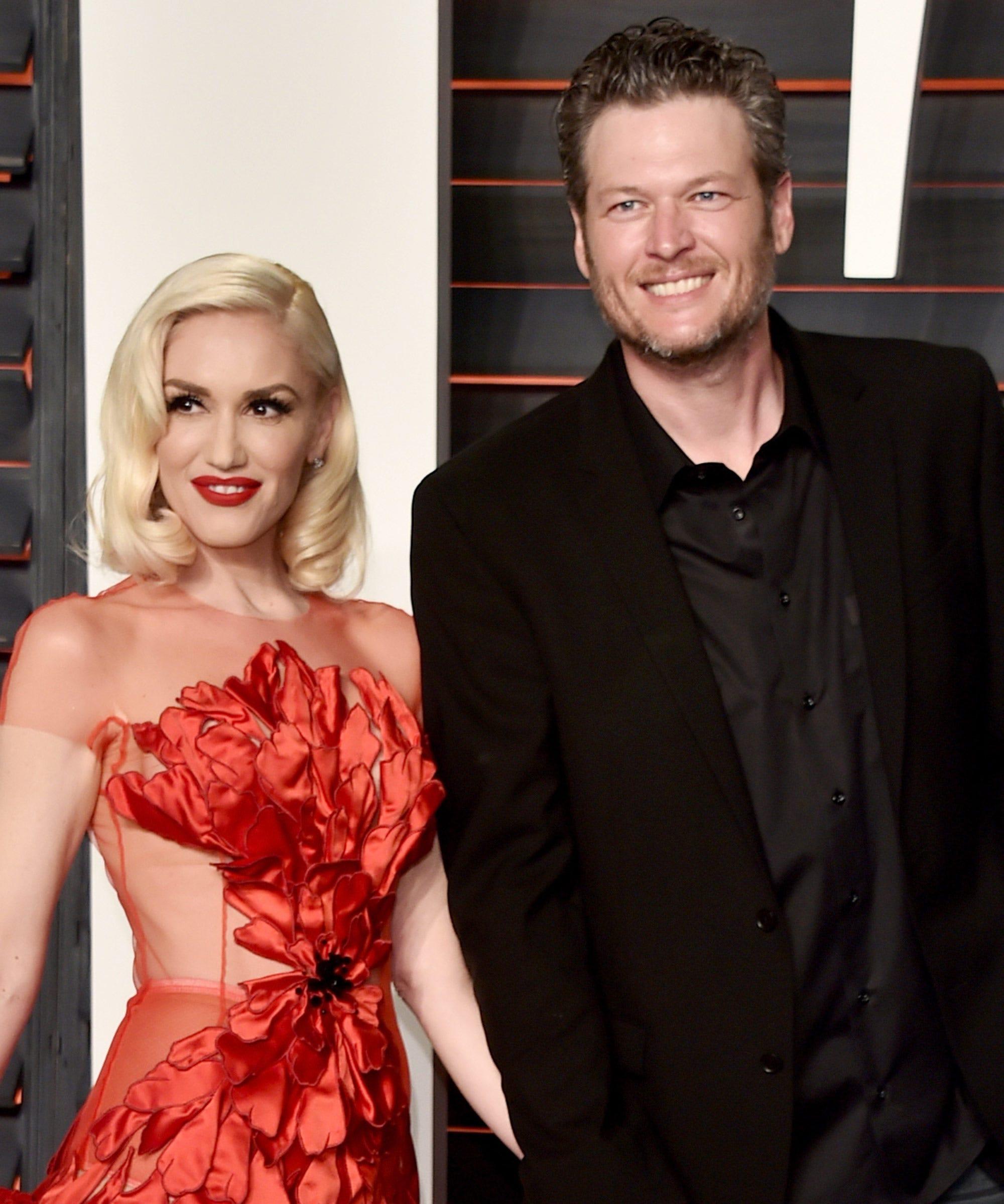Gwen Stefani Blake Shelton Christmas Song, The Voice