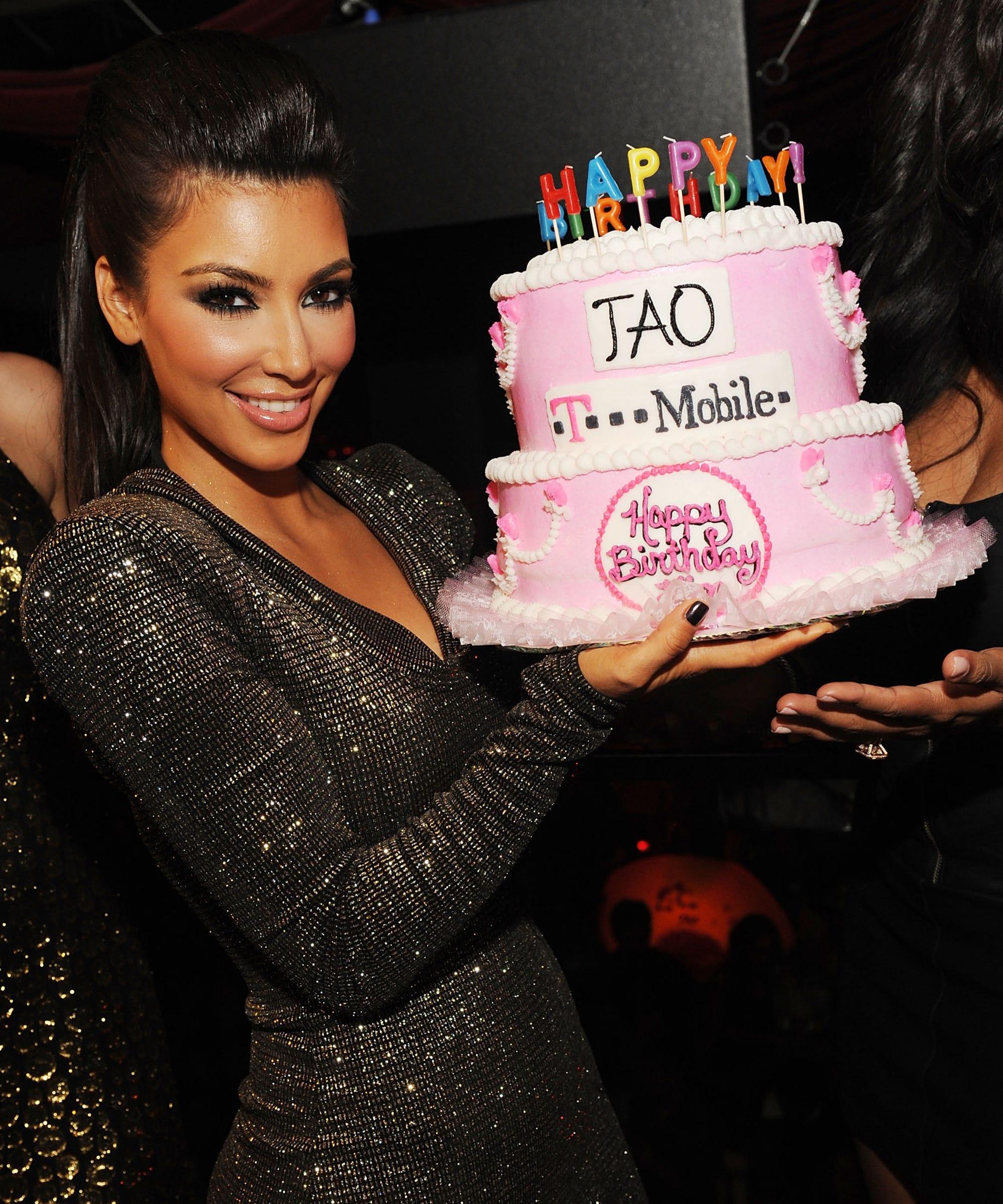 Best Kim Kardashian Birthday Cakes Through The Years